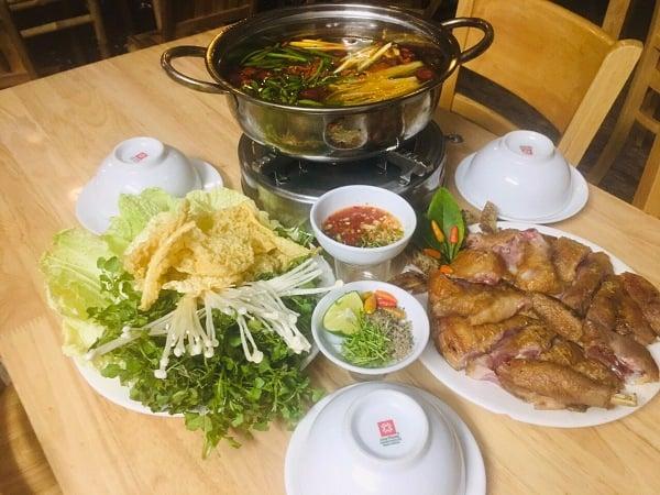 Quán Vùng Nội Ô- Quán lẩu gà ta chuẩn vị tại Sài Gòn